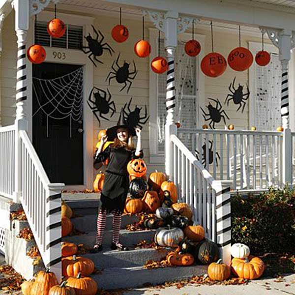 halloween porch ideas 34 - Halloween Home Decor Ideas