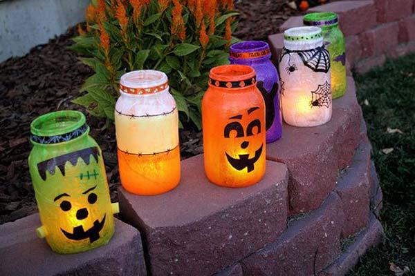 halloween-inspired-mason-jars-1