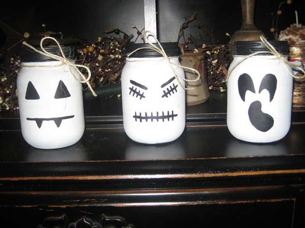halloween-inspired-mason-jars-27
