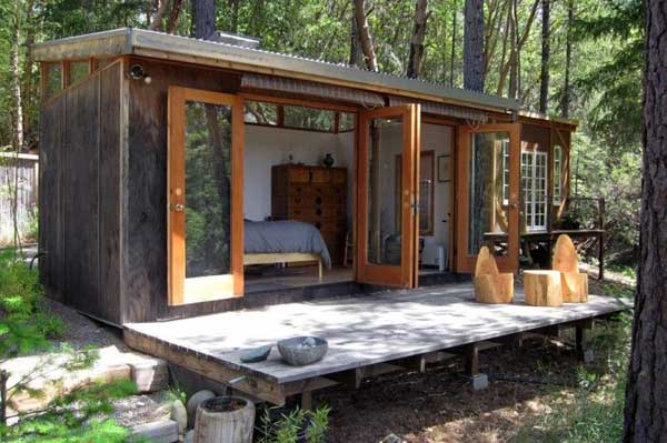 Tiny Home Designs: 23 Breathtaking Forest-Fringed Wood Cabins