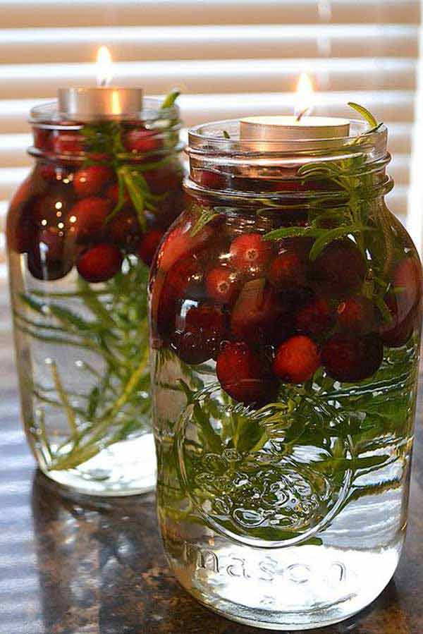 22 Quick And Cheap Mason Jar Crafts Filled With Holiday Spirit