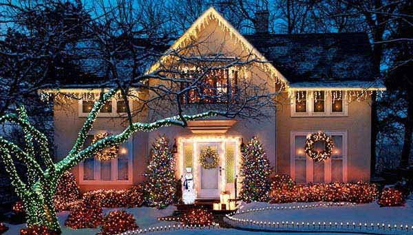 Outdoor-Christmas-Lighting-Decorations-17