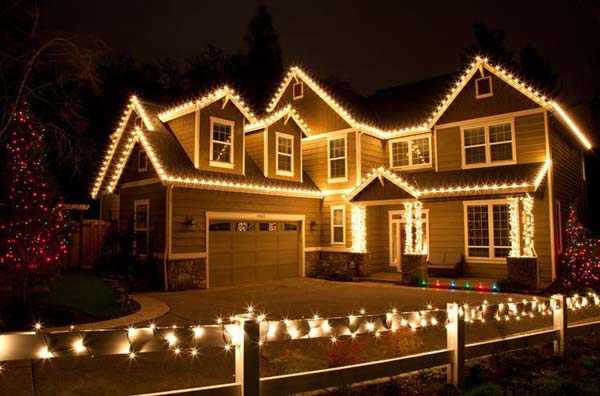 outdoorchristmaslightingdecorations18 exterior christmas lighting ideas m