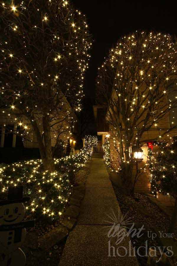 Outdoor-Christmas-Lighting-Decorations-30