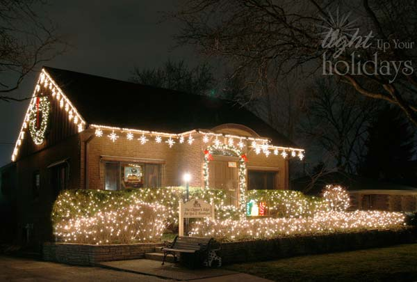 Outdoor-Christmas-Lighting-Decorations-31