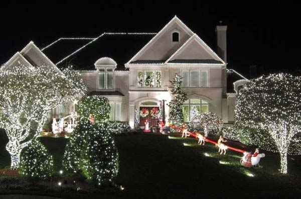 Outdoor-Christmas-Lighting-Decorations-32
