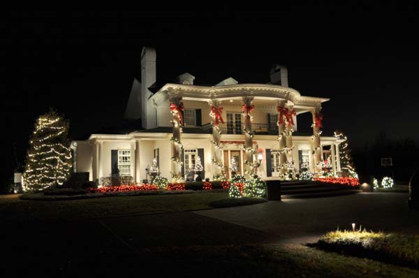 Outdoor-Christmas-Lighting-Decorations-36