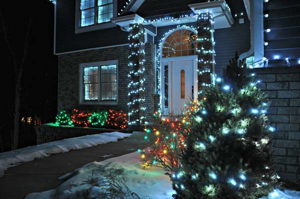 Outdoor-Christmas-Lighting-Decorations-8-2