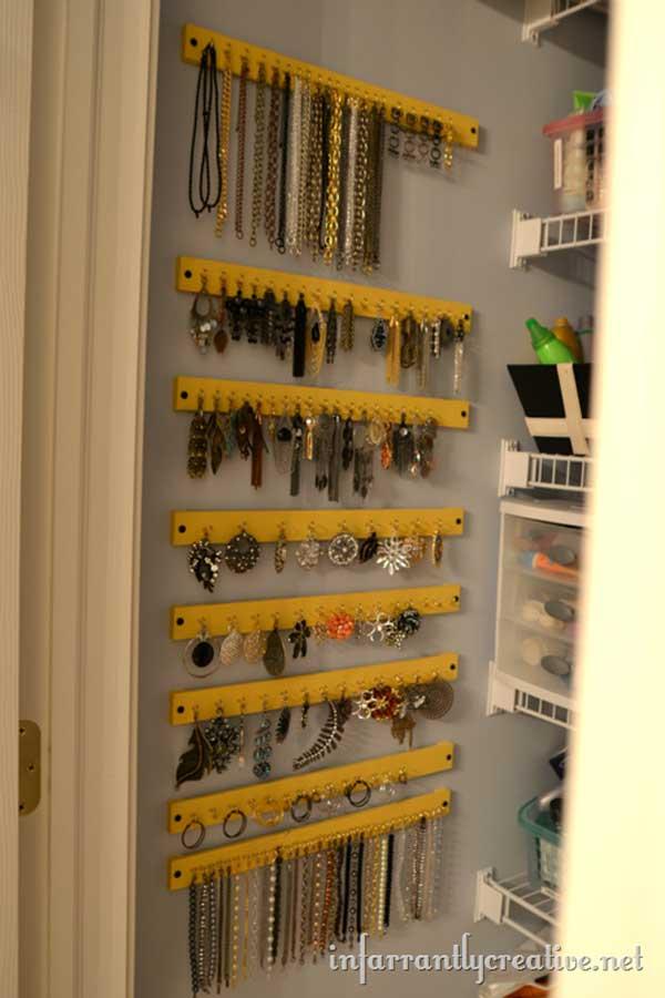 small-items-organizing-hacks-12