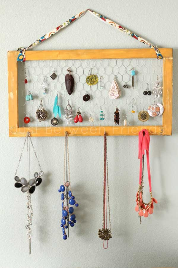 small-items-organizing-hacks-37