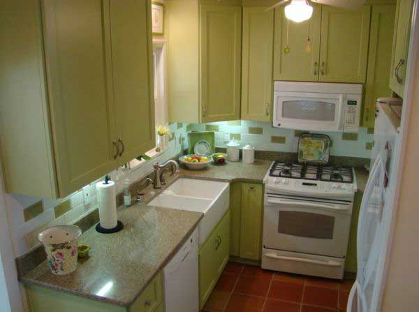 38 cool space saving small kitchen design ideas amazing for Tiny kitchen layout ideas