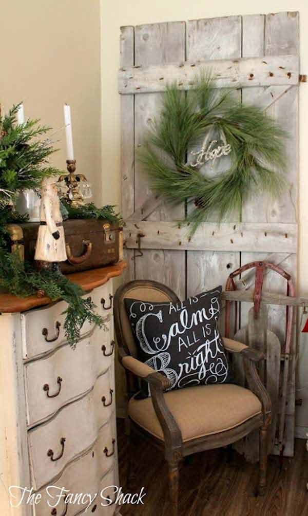 DIY Vintage Christmas decor 32. 32 Astonishing DIY Vintage Christmas Decor Ideas