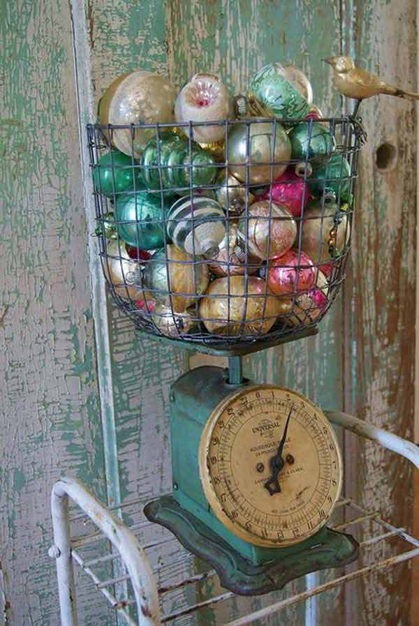 DIY Vintage Christmas decor 7. 32 Astonishing DIY Vintage Christmas Decor Ideas