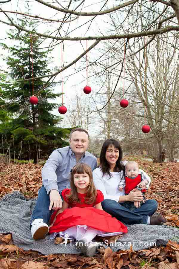 38 Of The Cutest and Most Fun Family Photo Christmas Card Ideas ...