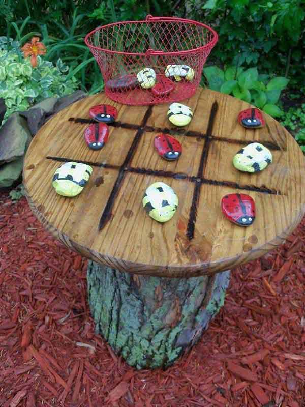 26 fabulous garden decorating ideas with rocks and stones for Homemade garden decor crafts