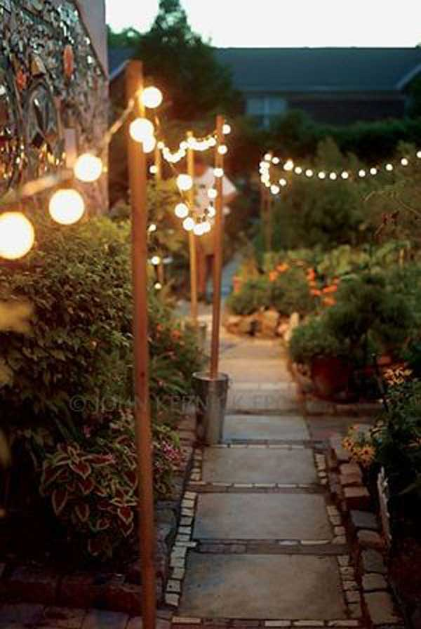 String Lights On Fence : 26 Breathtaking Yard and Patio String lighting Ideas Will Fascinate You - Amazing DIY, Interior ...