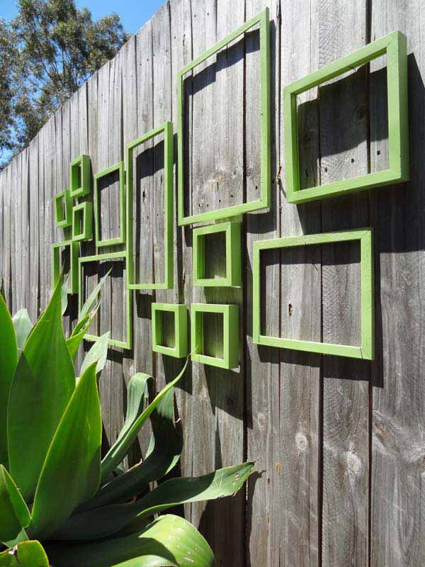 Top 23 Surprising DIY Ideas To Decorate Your Garden Fence ... on Backyard Wall Decor Ideas id=69239