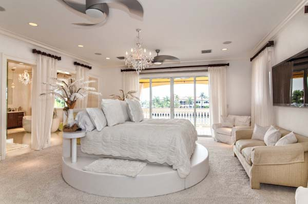 Hotel Style Bedroom Woohome 2