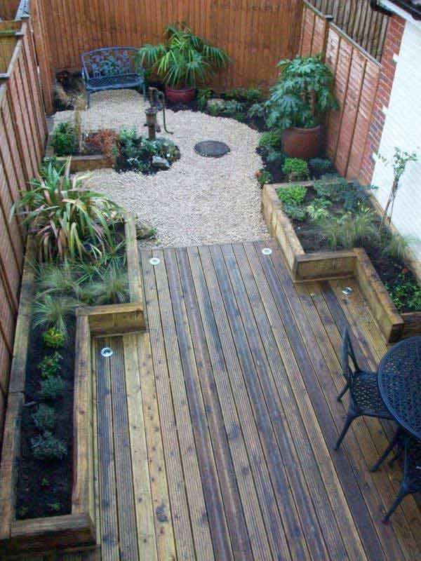 18 clever design ideas for narrow and long outdoor spaces for Garden decking ideas uk