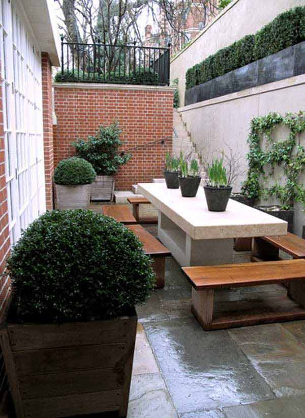 18 Clever Design Ideas for Narrow and Long Outdoor Spaces ... on Long Backyard Landscaping Ideas id=15406