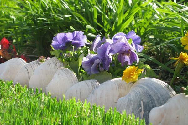 Garden-Bed-Edging-Ideas-Woohome-19