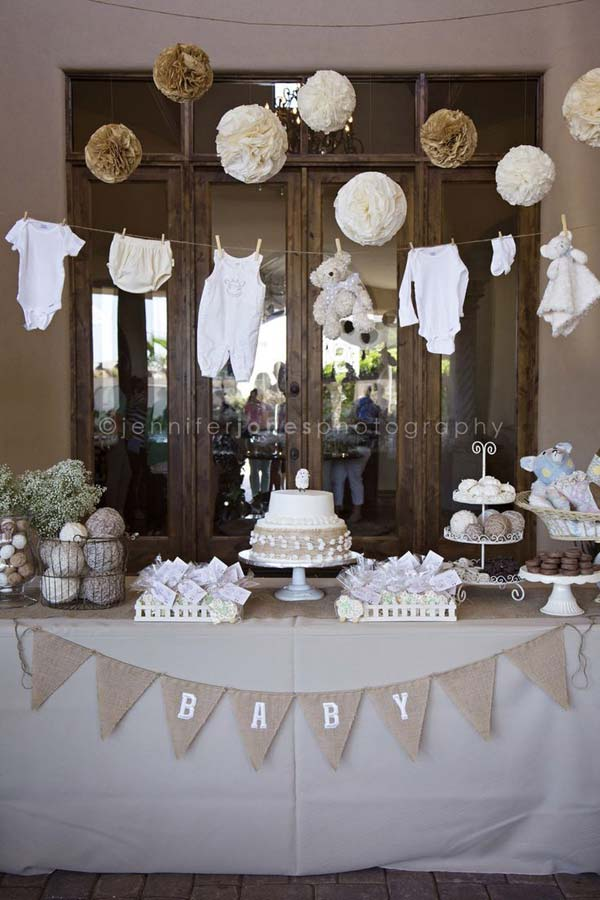 22 cute low cost diy decorating ideas for baby shower for Baby birthday ideas of decoration