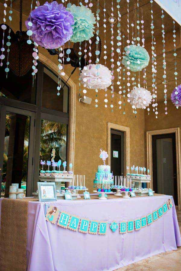 22 cute low cost diy decorating ideas for baby shower for Baby shower ceiling decoration ideas