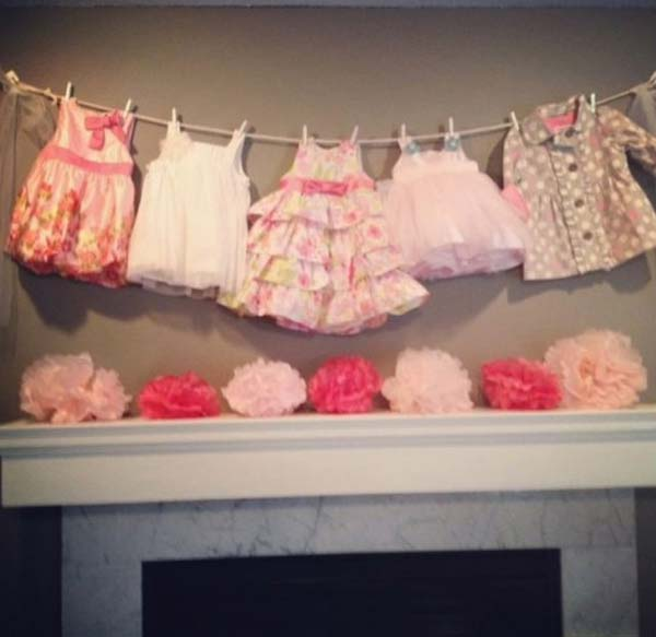 22 cute low cost diy decorating ideas for baby shower for Baby shower decoration ideas homemade