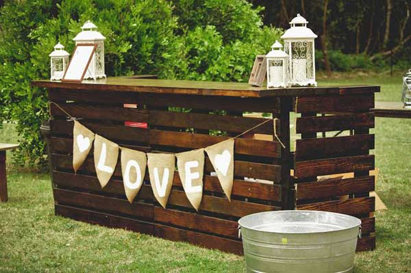 20 attractive and unique outdoor wedding bar ideas amazing diy interior home design. Black Bedroom Furniture Sets. Home Design Ideas