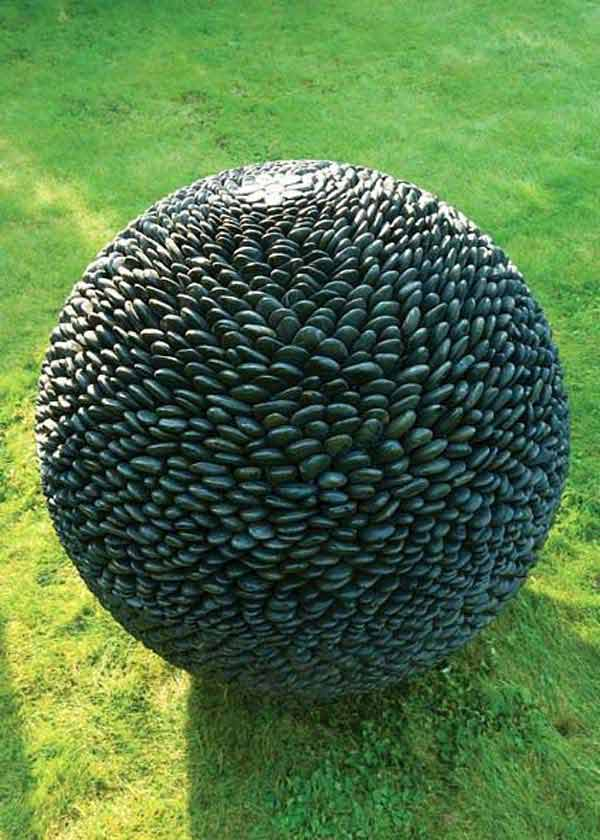 Sculptural Spheres Crazy Wonderful: 21 Lovely DIY Ideas To Spice Up Garden With Pebbles Art