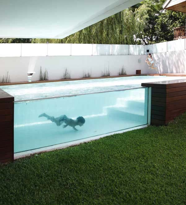28 fabulous small backyard designs with swimming pool for Disenos de patios traseros