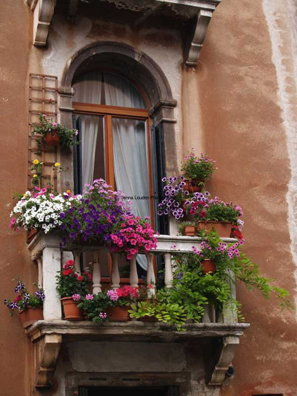 Top 23 Spectacular Balcony Gardens That You Must See ...