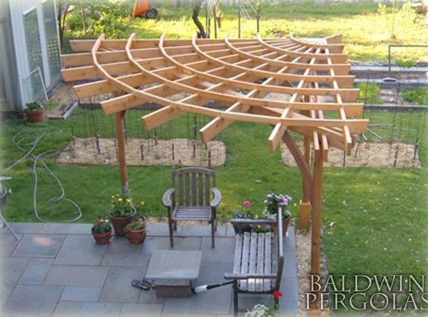 Backyard Design Ideas Diy : Build a Corner Pergola