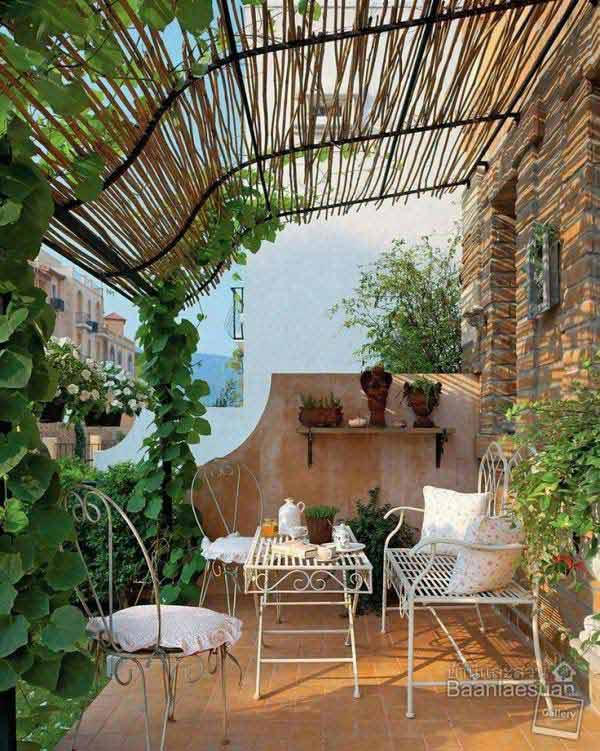 DIY-Backyard-Pergola-WooHome-12 - 24 Inspiring DIY Backyard Pergola Ideas To Enhance The Outdoor Life