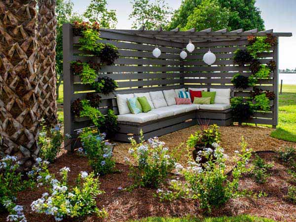 DIY-Backyard-Pergola-WooHome-21