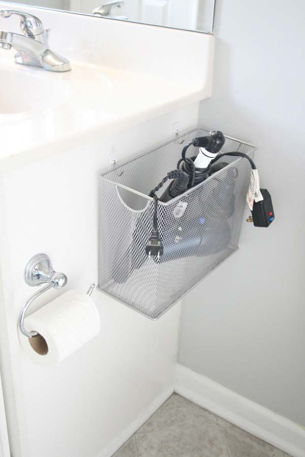 Storage-Hacks-In-Bathroom-WooHome-18