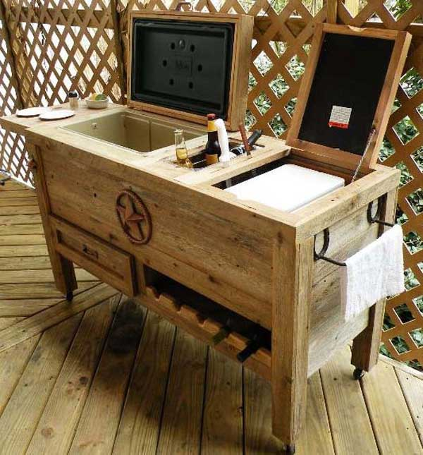 19 clever diy outdoor cooler ideas let you keep cool in for Diy wood bar