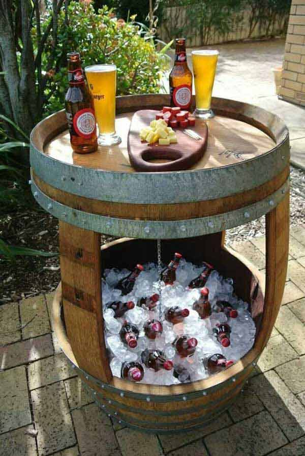 19 clever diy outdoor cooler ideas let you keep cool in for Decoration jardin tonneau
