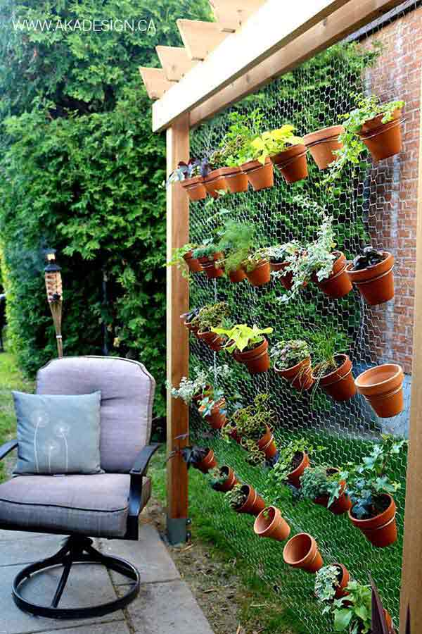 22 fascinating and low budget ideas for your yard and for Cheap patio privacy ideas
