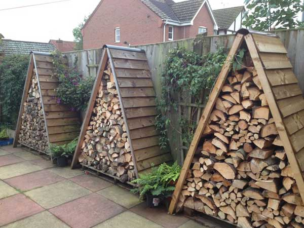 24 practical diy storage solutions for your garden and for Practical garden designs
