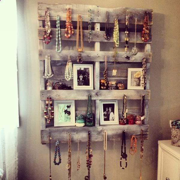 25 easy and cheap pallet storage projects you can make for Etagere avec palette