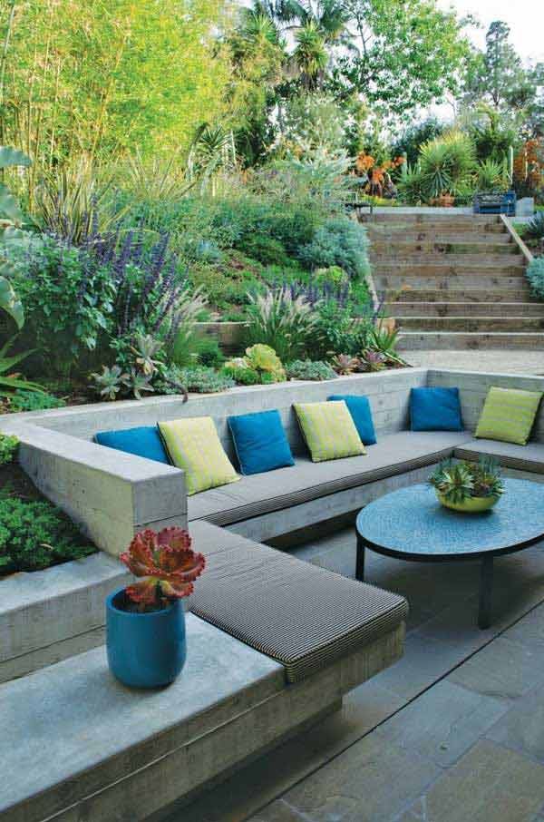23 impressive sunken design ideas for your garden and yard for Terrace seating ideas