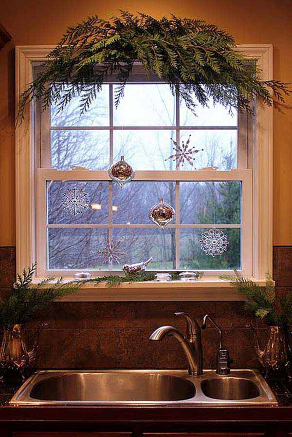 Christmas Decorations On Window : Top most fascinating christmas windows decorating ideas
