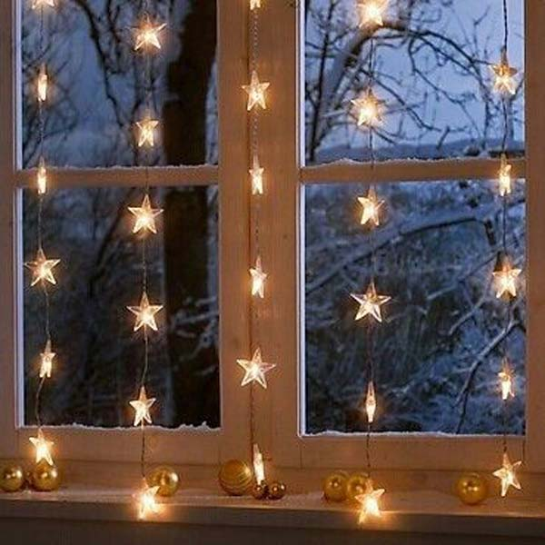 christmas-window-decoration-7 - Top 30 Most Fascinating Christmas Windows Decorating Ideas - Amazing