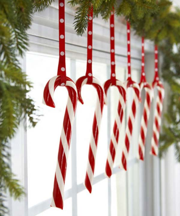 Holiday Home Decorating Ideas 80 diy christmas decorations easy christmas decorating ideas Christmas Window Decoration 8