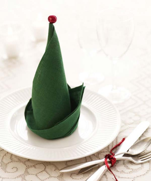 10-The-Elf-Hat-Napkin-Fold