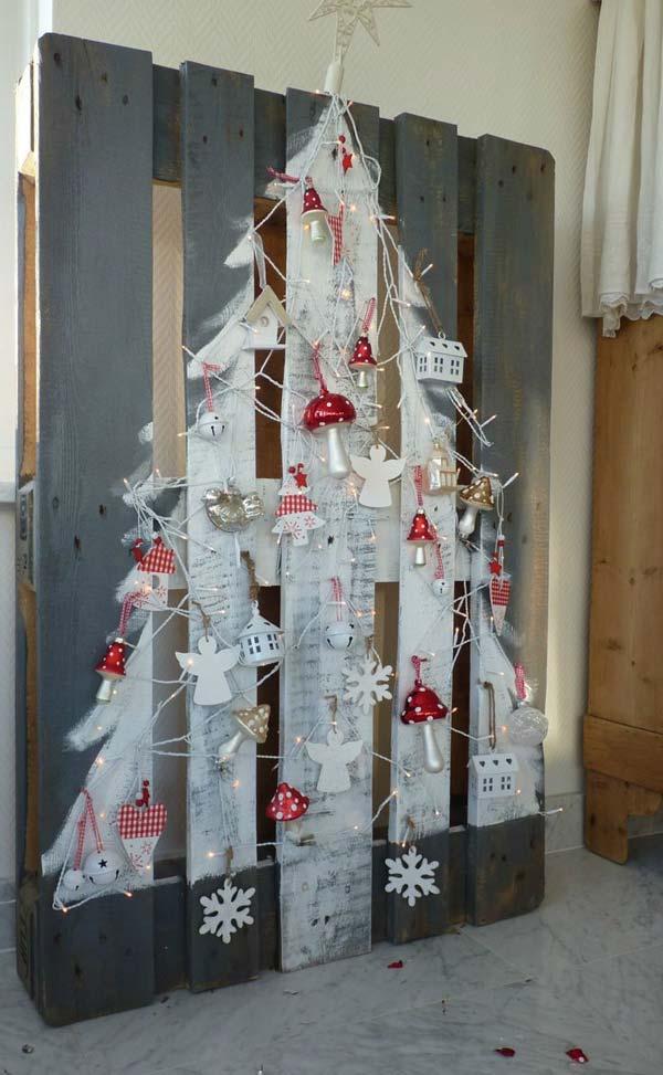 Christmas-Decor-with-Wood-WooHome-26