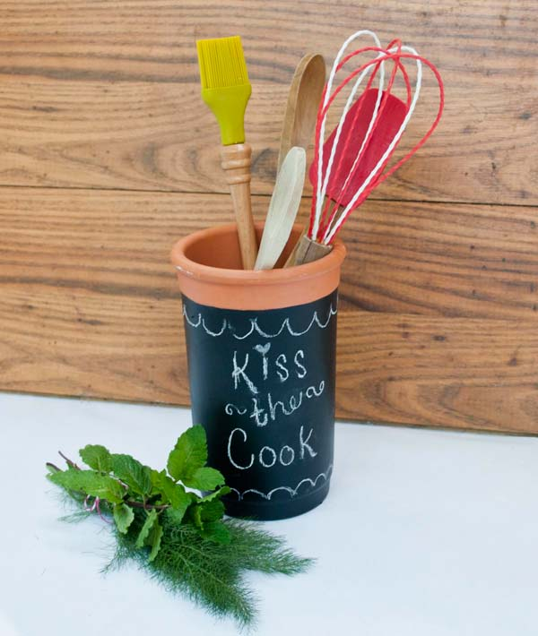 chalkboard-on-kitchen-18