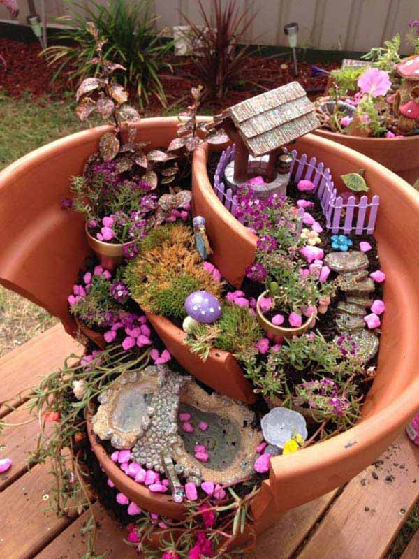 Stunning Ideas to Build a Fairy Tale Garden in a Broken Pot ...
