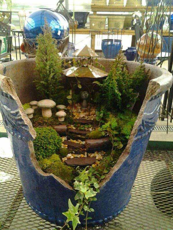 Stunning Ideas to Build a Fairy Tale Garden in a Broken Pot - Amazing DIY, Interior & Home Design